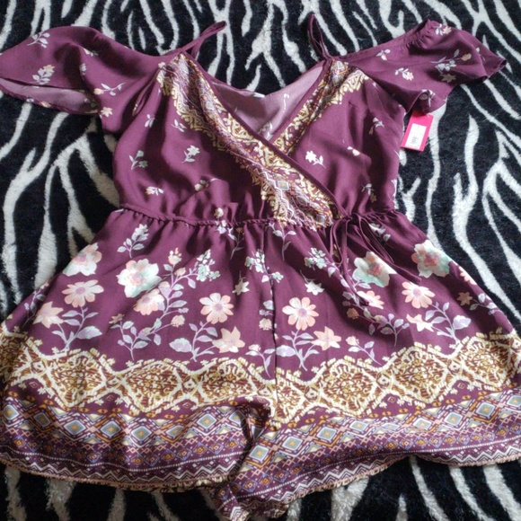 6fb36e4b077 Purple floral romper. NWT. Xhilaration
